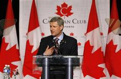 <p>Conservative leader and Canada's Prime Minister Stephen Harper delivers a speech to the Canadian Club of Toronto October 7, 2008. Canadians will head to the polls in a federal election on October 14. REUTERS/Chris Wattie</p>