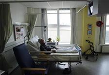 <p>Un malato di Alzheimer. REUTERS/Michael Kooren (NETHERLANDS)</p>