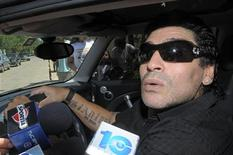 <p>O novo técnico da seleção argentina, Diego Maradona, esquentou a rivalidade esportiva entre seu país e o Brasil ao contrastar, nesta quarta-feira, sua refinada classe com o estilo aguerrido do treinador brasileiro, Dunga. REUTERS/Stringer</p>