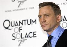 <p>Foto de archivo del actor británico Daniel Craig durante el estreno de la última cinta de James Bond, 'Quantum of Solace', en Roma, Italia, 5 nov 2008. REUTERS/Alessandro Bianchi (ITALY)</p>