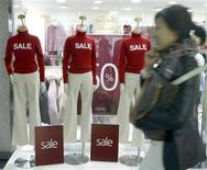 <p>A South Korean shopper in a file photo. The Internet is replacing the high street as the shopping destination of choice in the Asia Pacific, with a new survey showing a majority of Internet users prefer to go online to buy everything from electronics to holidays. REUTERS/Lee Jae-Won</p>