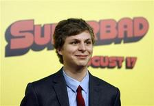 """<p>Cast member Michael Cera poses at the premiere of """"Superbad"""" at the Grauman's Chinese Theatre in Hollywood, California August 13, 2007. The movie opens in the U.S. on August 17. REUTERS/Mario Anzuoni</p>"""