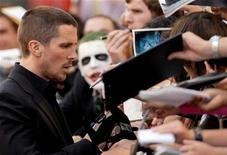 """<p>Foto de archivo del actor Christian Bale durante el estreno en Gran Bretaña de """"The Dark Knight"""" en Londres, 21 jul 2008. REUTERS/Toby Melville (BRITAIN)</p>"""