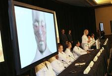<p>Maria Siemionow (standing) talks to the media about the Cleveland Clinic surgeons team that performed the nation's first near-total face transplant in the past two weeks, during a news conference in Cleveland, Ohio December 17, 2008. REUTERS/Aaron Josefczyk</p>