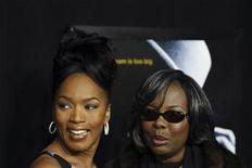 """<p>Voletta Wallace (R), mother of slain rapper Christopher """"Notorious B.I.G"""" Wallace arrives with actress Angela Bassett to the premiere of the film """"Notorious"""" in New York January 7, 2009. REUTERS/Lucas Jackson</p>"""