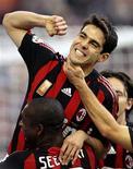 <p>Kaká decidiu ficar no Milan REUTERS/Alessandro Garofalo/Files (ITALY)</p>