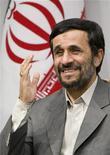 """<p>Президент Ирана Махмуд Ахмадинежад во время официального мероприятия в Тегеране 22 января 2009 года. Иран готов принять предложения президента США Барака Обамы при условии, что США выведут свои войска из других стран и принесут извинения за совершенные в отношении Ирана """"преступления"""", заявил президент Ирана Махмуд Ахмадинежад. REUTERS/Raheb Homavandi</p>"""