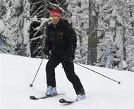 <p>O presidente da Rússia, Dmitry Medvedev, esquia em estação de inverno próxima a Sochi. REUTERS/RIA Novosti/Pool (RUSSIA) (Newscom TagID: rtrphotosthree848908) [Photo via Newscom]</p>