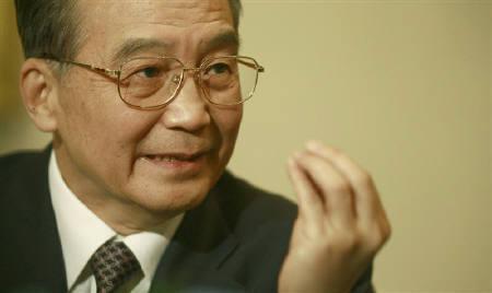 2月1日、中国の温家宝首相は、中国の金融セクターは依然として健全と言明。1月31日撮影(2009年 ロイター/Andrew Parsons)