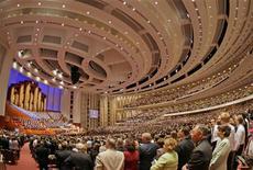 <p>Una immagine del 178esimo raduno annuale dei mormoni nell'aprile scorso a Salt Lake City, in Utah. REUTERS/George Frey (UNITED STATES)</p>