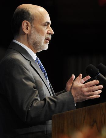 US Federal Reserve Chairman Ben Bernanke speaks at a luncheon at the National Press Club in Washington, February 18, 2009. REUTERS/Jonathan Ernst (UNITED STATES)