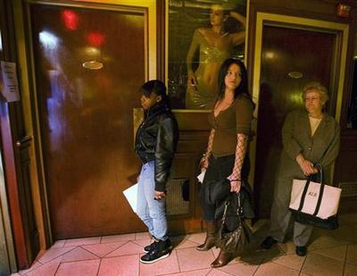Strip club bucks recession