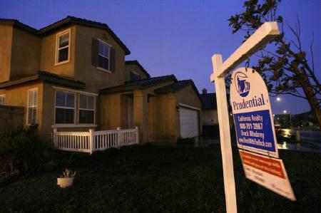 3月23日、全米リアルター協会が発表した2月の中古住宅販売戸数は前月比5.1%増と、6年ぶり大幅な伸びに。写真はカリフォルニアで2月に撮影(2009年 ロイター//Mario Anzuoni)