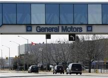 <p>A view of the General Motors of Canada assembly plant in Oshawa March 31, 2009. REUTERS/Mike Cassese</p>