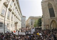 <p>Un corteo a Vienna. REUTERS/Heinz-Peter Bader</p>
