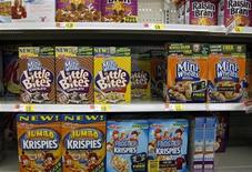 <p>Boxes of Kellogg's cereal are displayed on a store shelf in Westminster, Colorado April 26, 2009. REUTERS/Rick Wilking</p>