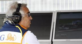 <p>Diretor da Renault de Fórmula 1, Flavio Briatore, em Montmelo. 09/05/2009. REUTERS/Albert Gea</p>