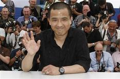 "<p>Director Lou Ye poses during a photocall for his film ""Chun Feng Chen Zui De Ye Wan"" (Spring Fever), at the 62nd Cannes Film Festival May 14, 2009. REUTERS/Eric Gaillard</p>"