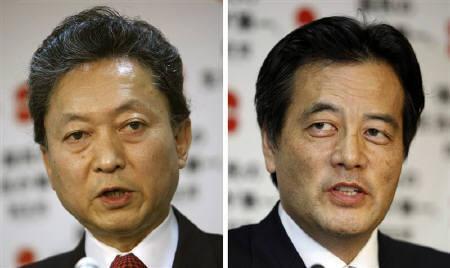 5月15日、民主党代表選に出馬表明した鳩山幹事長(左)と岡田副代表(右)が日本記者クラブで公開討論会。写真は14日撮影(2009年 ロイター/Yuriko Nakao)