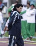 <p>Foto de arquivo do técnico argentino Diego Maradona em jogo contra a Bolívia, em La Paz. 01/05/2009. REUTERS/Gaston Brito</p>