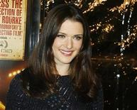 """<p>Actress Rachel Weisz poses at the Los Angeles premiere of the film """"The Wrestler"""" in Beverly Hills, California December 16, 2008. REUTERS/Fred Prouser</p>"""