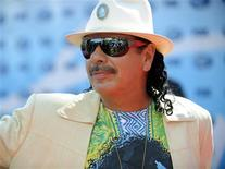 "<p>Carlos Santana na 8a temporada do ""American Idol"" em Los Angeles. 20/05/2009. REUTERS/Phil McCarten</p>"