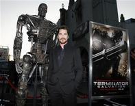 """<p>Foto de archivo del actor Christian Bale durante el estreno de """"Terminator Salvation"""" en el teatro chino de Hollywood, 14 mayo 2009. """"Terminator Salvation"""", protagonizada por Christian Bale como el líder de una resistencia contra los ciborg, fue la película más vista este fin de semana en Gran Bretaña, con una recaudación de 11 millones de dólares, dijo el lunes Sony Pictures Releasing. REUTERS/Danny Moloshok</p>"""