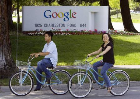6月19日、中国の規制当局は、米グーグルに対し、同社中国語サイトを介しての有害な海外サイトへのアクセスを停止するよう命令。写真は昨年5月、米カリフォルニア州マウンテンビューにあるグーグル本社で(2009年 ロイター/Kimberly White)