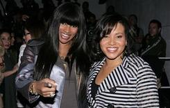 <p>Singers Salt-n-Pepa pose for photographers at the 2008/2009 fall collection shows during New York Fashion Week February 7, 2008. REUTERS/Carlo Allegri</p>