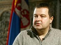 <p>Заместитель премьер-министра Сербии Ивица Дачич дает интервью Рейтер в Белграде 19 января 2009 года. Сербия надеется получить от России кредит на 1 миллиард евро на развитие инфраструктурных проектов и поддержку бюджета, сильно пострадавшего от сокращения налоговых поступлений, заявил в среду заместитель премьер-министра страны Ивица Дачич, на прошлой неделе посетивший Россию. REUTERS/Djordje Kojadinovic</p>