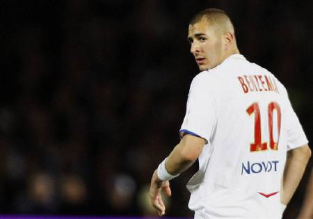 timeless design 23268 65a10 France forward Benzema to join Real Madrid - Reuters