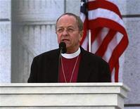 <p>Episcopal Bishop Gene Robinson, the first openly gay Episcopal bishop, delivers the invocation at the 'We Are One' Inaugural Celebration at the Lincoln Memorial in Washington, January 18, 2009. REUTERS/Jason Reed</p>