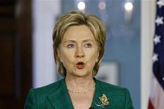 """<p>Госсекретарь США Хилари Клинтон на пресс-конференции в Вашингтоне 24 июля 2009 года. Госсекретарь США Хилари Клинтон в воскресенье заверила Россию, что Вашингтон видит в ней """"великую державу"""", поспешив сгладить впечатление от критических замечаний в адрес Москвы из уст вице-президента Джо Байдена. REUTERS/Molly Riley</p>"""