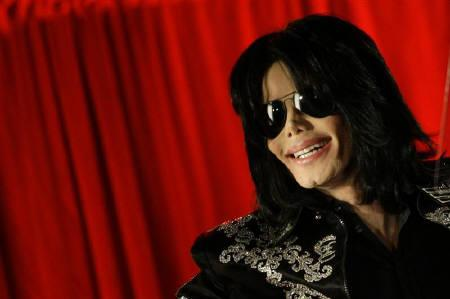 U.S. pop star Michael Jackson gestures during a news conference at the O2 Arena in London March 5, 2009.   REUTERS/Stefan Wermuth/Files