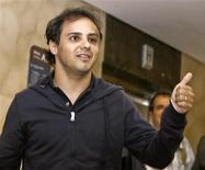 <p>Piloto brasileiro de Fórmula 1 Felipe Massa da Ferrari em hospital em São Paulo. 03/08/2009. REUTERS/Alex Almeida</p>