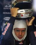 <p>Sebastian Vettel renovou contrato com Red Bull até 2011 REUTERS/Heino Kalis</p>