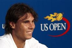 <p>O espanhol Rafael Nadal responde a perguntas de jornalistas antes da abertura do Aberto dos EUA, em Nova York.30/08/2009.REUTERS/Peter Jones</p>