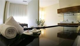 "<p>The massage room in the spa area of the ""Balance Resort"" hotel is pictured in the village of Stegersbach in the Austrian province of Styria May 15, 2008. REUTERS/Leonhard Foeger</p>"