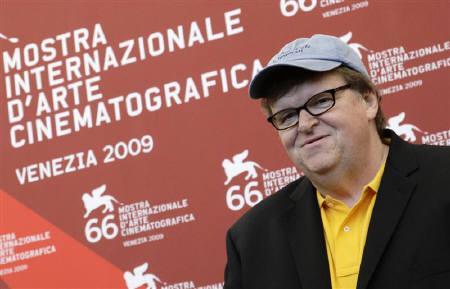 9月6日、ベネチア国際映画祭でマイケル・ムーア監督の「Capitalism: A Love Story」が上映された。写真は記者会見に臨む同監督(2009年 ロイター/Tony Gentile)