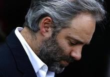 <p>Director Sam Mendes looks down on the red carpet before attending the screening of his new film 'Away We Go' at the opening night of the Edinburgh International Film Festival, Scotland June 17, 2009. REUTERS/David Moir</p>