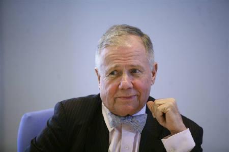 10月8日、米著名投資家ジム・ロジャーズ氏は、次にバブルが崩壊するのは米国債市場との見方を示した。2007年4月撮影(2009年 ロイター/Eric Thayer)