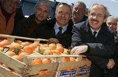 <p>Il presidente della Regione Sicilia Raffaele Lombardo. REUTERS/Antonio Parrinello</p>
