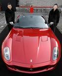 <p>Una Ferrari 599 GTB Fiorano China Limited Edition durante la presentazione di oggi a Pechino. REUTERS/Jason Lee</p>