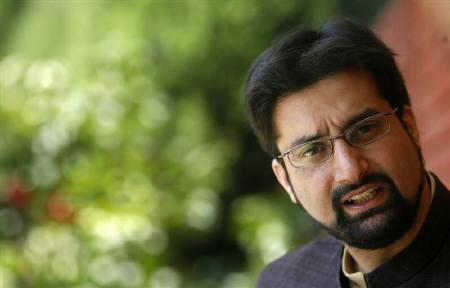 Mirwaiz Umar Farooq, Chairman of the separatist alliance All Parties Hurriyat (Freedom) Conference, speaks during an interview with Reuters at his residence in Srinagar September 20, 2009. REUTERS/Fayaz Kabli/Files