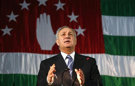 Rebel Abkhazia chooses leader, Russia hails vote