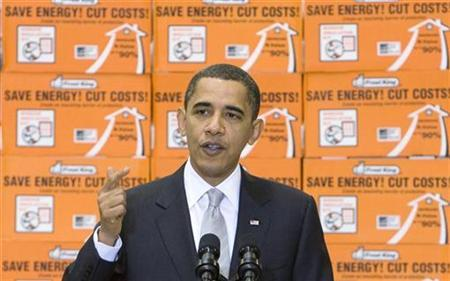 U.S. President Barack Obama visits a Northern Virginia Home Depot to discuss home improvements and energy savings in Alexandria, Virginia December 15, 2009. REUTERS/Larry Downing