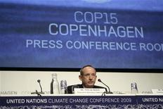 <p>Yvo De Boer, segretario generale della Conferenza Onu sul clima, in una foto d'archivio. REUTERS/Ints Kalnins</p>