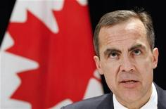 <p>Bank of Canada Governor Mark Carney speaks to the media in Toronto December 16, 2009. REUTERS/Mark Blinch</p>