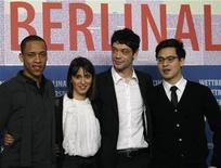 """<p>Los actores Jeremias Acheampong, Maryam Zaree, Carlo Ljubek junto al director Burhan Qurbani, posan en la promoción de su película """"Shahada"""" en el Festival de Cine Internacional de Berlín """"Berlinale"""". Feb 17 2010. El cine alemán alguna vez fue el patito feo del Festival de Cine de Berlín: solo un puñado de películas de bajo presupuesto eran permitidas a regañadientes en el programa. REUTERS/Tobias Schwarz</p>"""