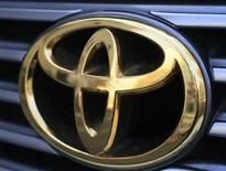 <p>Toyota Motor Corp's logo on a car is seen in Tokyo February 24, 2010. REUTERS/Kim Kyung-Hoon</p>